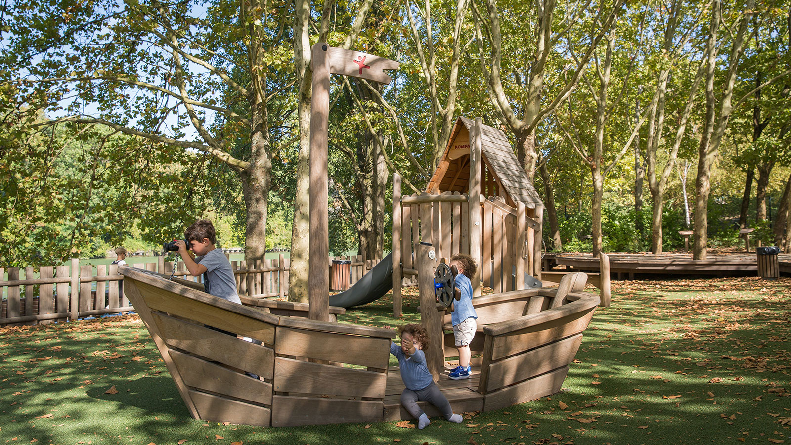 Maisons-Alfort-Playground_Playsection_Boat.jpg