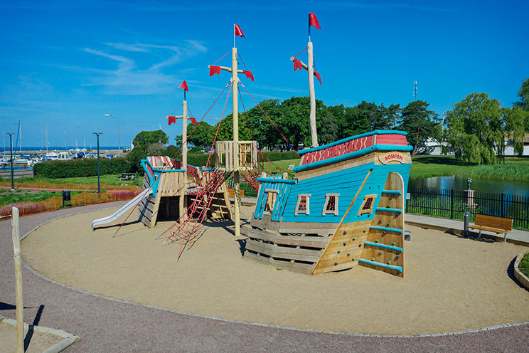 Playing-pirates-has-gotten-much-more-realistic-with-huge-wooden-ships-from-KOMPAN---Borgholm-(SE) - small for web.jpg