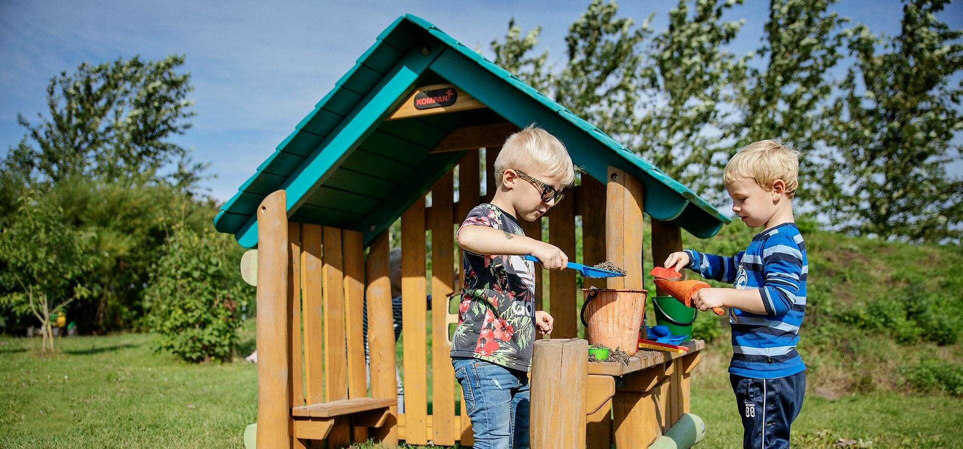 Robinia Playhuts and Playhouses