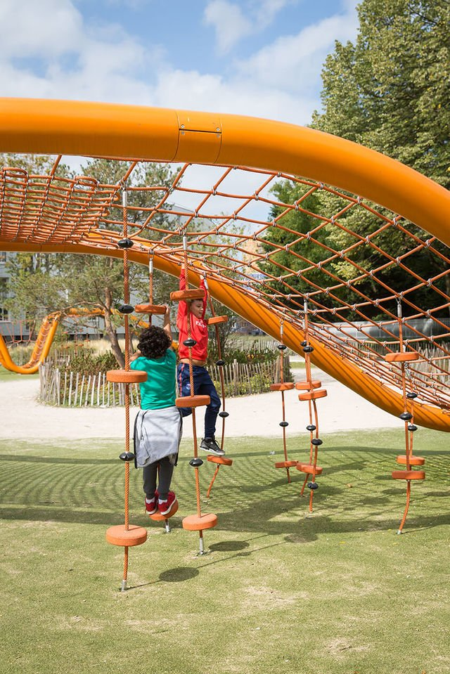 Le Serpentin Spielplatz in Paris