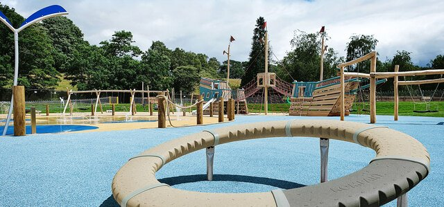 New dynamic spinners for nature playgrounds
