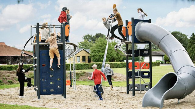 10 Tips for Play Thrills in Active School Playgrounds