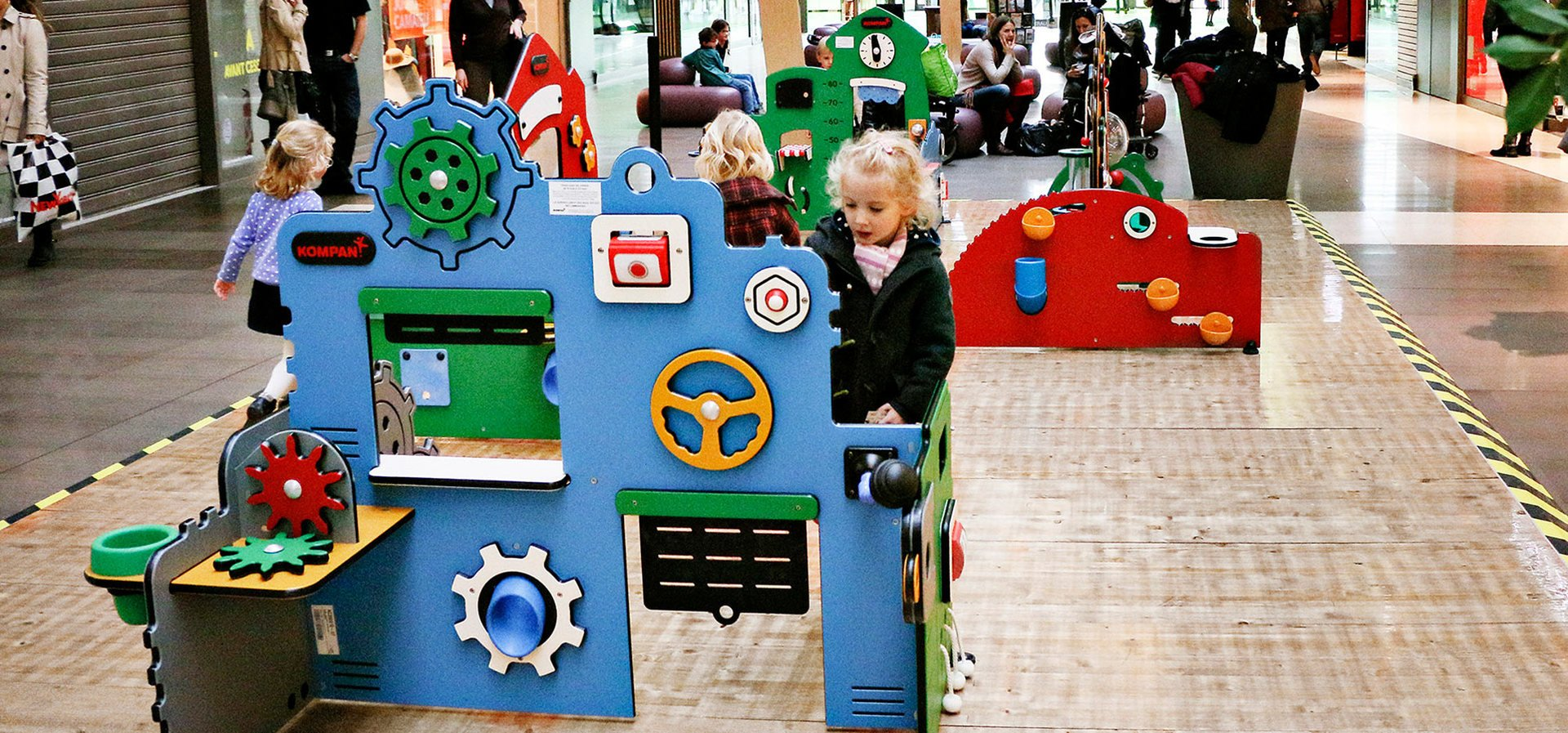 Themed play stations for play and learning